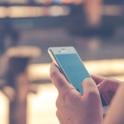 Smartphone e lavoro in solitudine: affideresti la tua vita a una app?